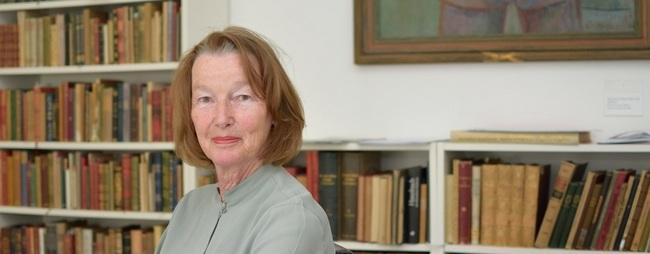 03 Frau Professor Popp